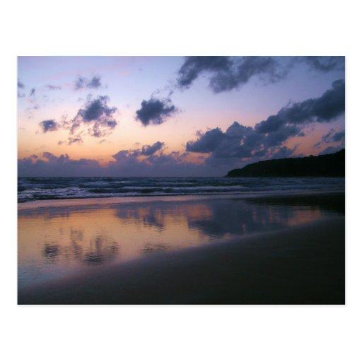 Oscuridad en la playa de Karon Tarjeta Postal