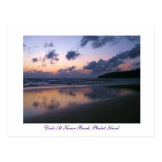 Oscuridad en la playa de Karon Postales