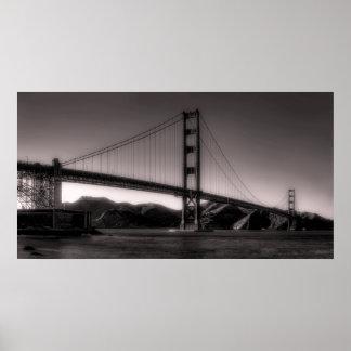 Oscuridad en puente Golden Gate Póster