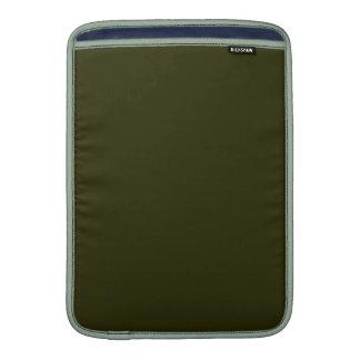 ~ OSCURO del VERDE VERDE OLIVA (color sólido) Fundas Macbook Air