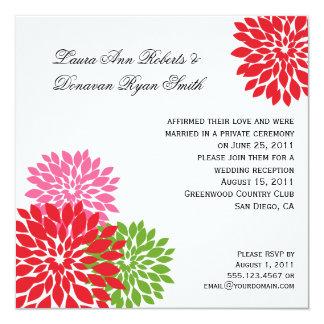 Oscuro y pálido - pétalos rosados de la flor de la invitacion personalizada