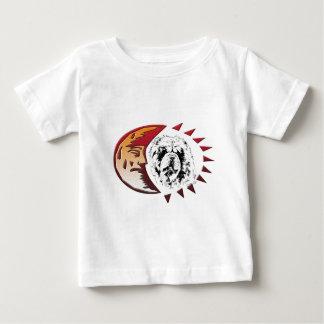 Oskar im Mond Baby T-Shirt