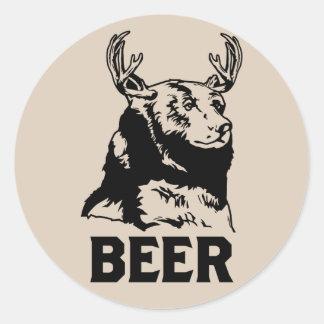 Oso + Ciervos = cerveza Pegatina Redonda