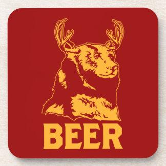 Oso + Ciervos = cerveza Posavasos De Bebidas