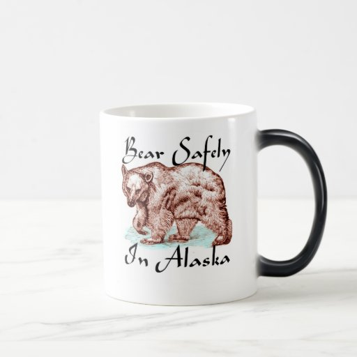 Oso con seguridad en Alaska Taza Mágica