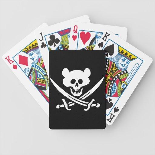 Oso, cráneo del pirata con las espadas, baraja de cartas