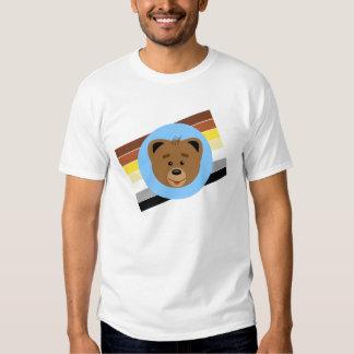 Oso Cub y bandera Camisas
