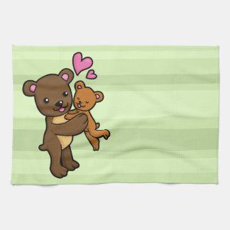 Oso de Brown que abraza el oso del bebé Toalla De Cocina