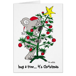 Oso de koala que abraza un árbol de navidad tarjeta de felicitación