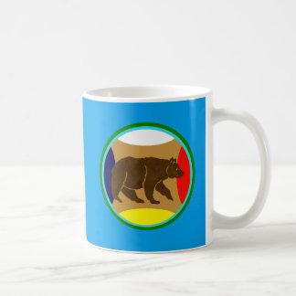 Oso de la rueda de la medicina taza de café