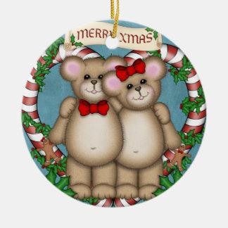 Oso de los pares del navidad adorno navideño redondo de cerámica
