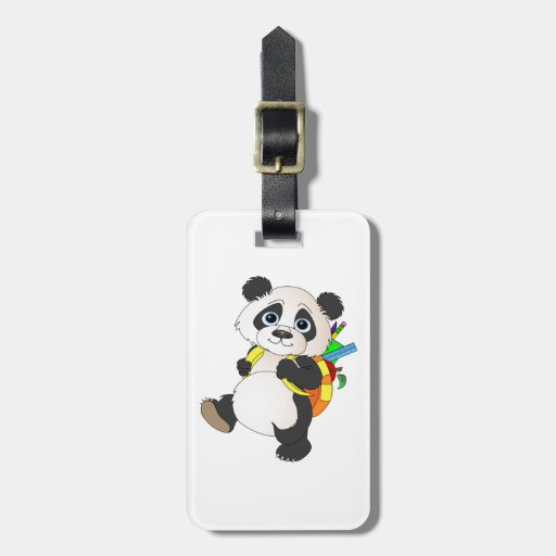 Oso de panda con la mochila etiquetas de equipaje