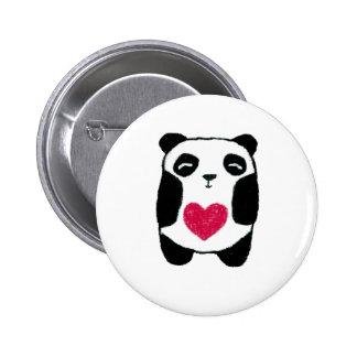 Oso de panda con un perno del corazón pins