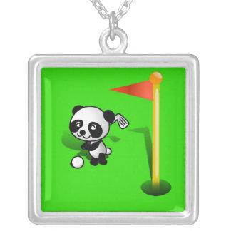 Oso de panda del bebé del dibujo animado Golfing e Pendientes