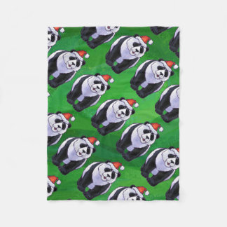 Oso de panda en el gorra de Santa en verde Manta De Forro Polar