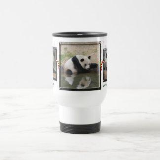 Oso de panda gigante y taza del viaje de las