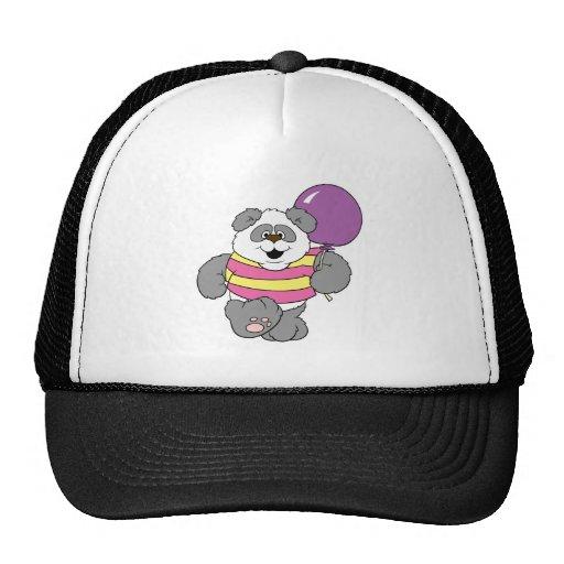 Oso de panda lindo con el globo gorras