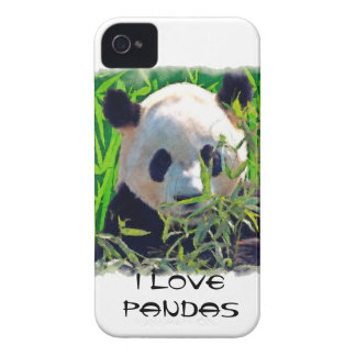 Oso de panda lindo con las hojas de bambú sabrosas Case-Mate iPhone 4 carcasa