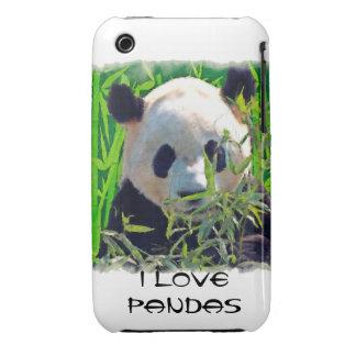 Oso de panda lindo con las hojas de bambú sabrosas iPhone 3 Case-Mate cárcasa