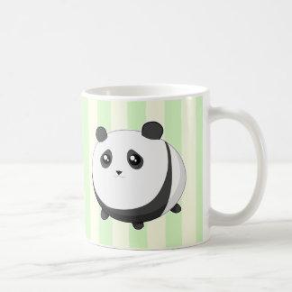 Oso de panda rechoncho lindo de Kawaii Taza Básica Blanca