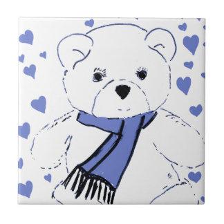 Oso de peluche blanco con los corazones azules cla azulejo cuadrado pequeño