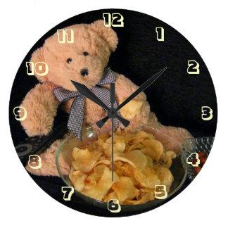 Oso de peluche, bocados y TV - Kumachan Reloj Redondo Grande