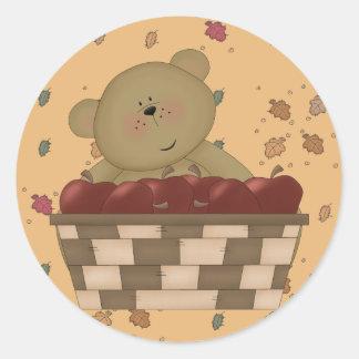 oso de peluche de la cosecha de la manzana pegatina redonda