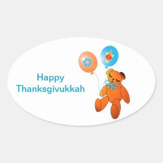 Oso de peluche de Thanksgivukkah con los globos Pegatina Ovalada