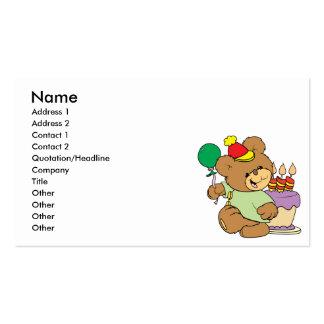 oso de peluche del feliz cumpleaños con la torta y tarjeta de visita