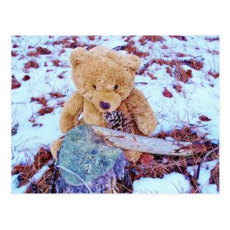 Oso de peluche en la nieve, tinte del azul del dri tarjetas postales