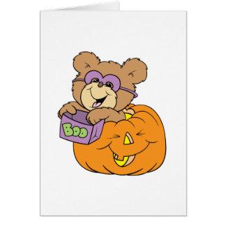oso de peluche lindo de Halloween en abucheo de la Tarjeton