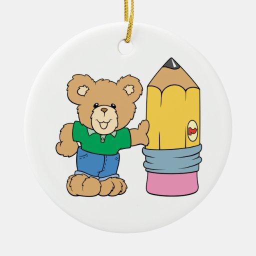 oso de peluche lindo de la escuela con el lápiz adorno redondo de cerámica