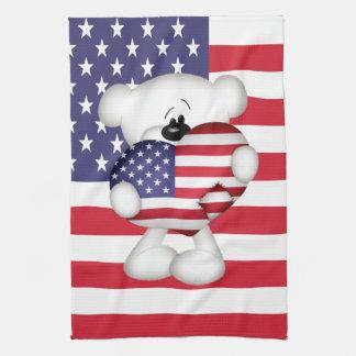 Oso de peluche y corazón grande de la bandera de l toalla de mano