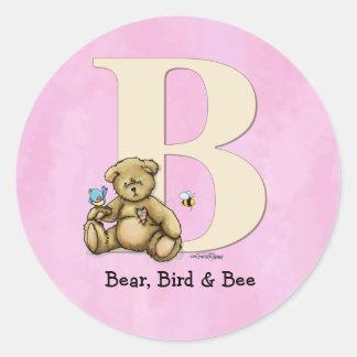 Oso del alfabeto, pájaro y abeja - rosa pegatina redonda