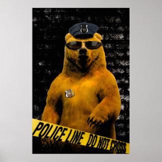 ¡Oso del oficial de policía! Poster