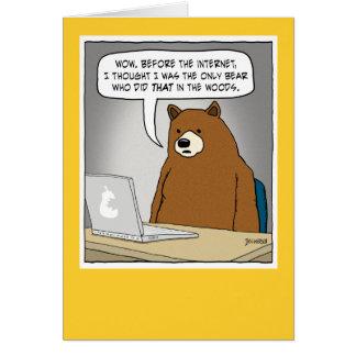 Oso divertido que practica surf el Internet Tarjeta De Felicitación