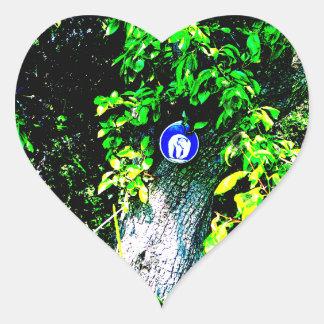 Oso en árbol pegatina corazon personalizadas