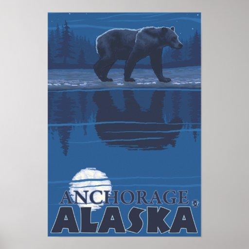Oso en claro de luna - Anchorage, Alaska Póster