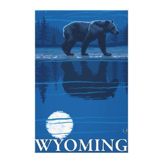 Oso en claro de luna - Wyoming Impresiones En Lienzo Estiradas