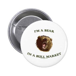 Oso en un mercado alcista pin redondo 5 cm