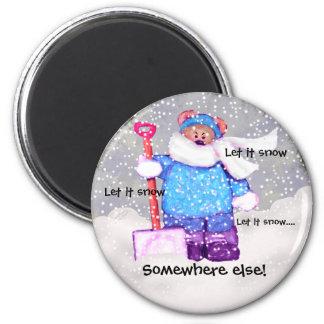 Oso enojado de la nieve. imán redondo 5 cm