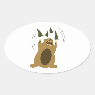 Oso enojado pegatina ovalada
