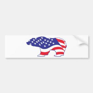 Oso grizzly patriótico etiqueta de parachoque