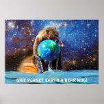 Oso grizzly que sostiene el poster del arte de tie