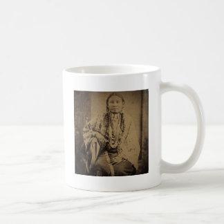 Oso indio de Nettie del explorador de Cheyenne Taza Básica Blanca