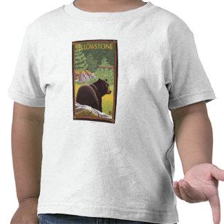 Oso negro en el bosque - parque nacional de camisetas