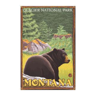 Oso negro en el bosque - Parque Nacional Glacier,  Impresión En Lienzo