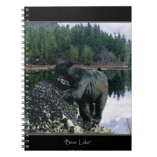 Oso negro y lago wilderness libros de apuntes con espiral