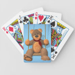 Oso pequeño de balanceo baraja cartas de poker
