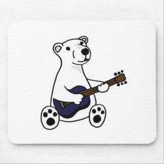 Oso polar divertido que toca la guitarra tapete de ratones